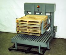 No downtime for damaged pallets with the lift & place pallet dispenser