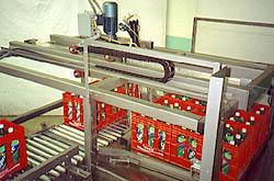 Beverage bottlers can run plastic crates, trays and cases interchangeably